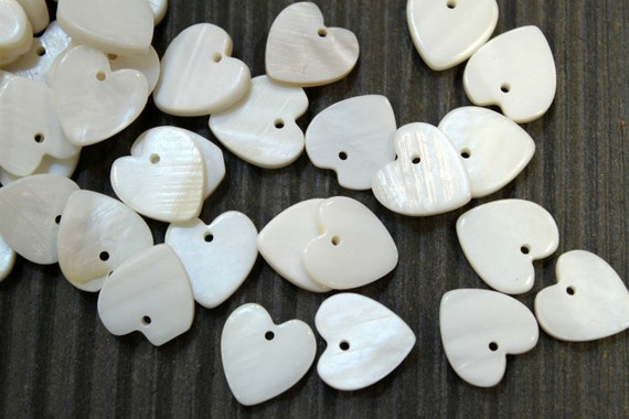 20pcs - Mother of Pearl Shell Heart Beads - 12mm