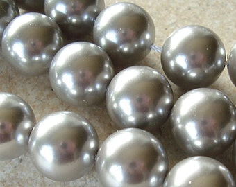 Shell Pearl Beads 12mm Lustrous Dove Gray Smooth Rounds  - 4 Pieces