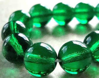 Czech Glass Beads 10mm Emerald Green Smooth Rounds - 12 Pieces