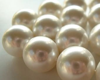 Shell Pearl Beads 12mm Lustrous Snow White Round - 6 Pieces