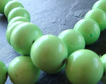 Turquoise Beads 10mm Natural Apple Green Smooth Rounds - 8 Pieces