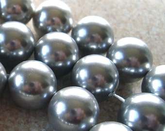 Shell Pearl Beads 10mm Lustrous Smoke Gray Smooth Rounds  - 6 Pieces