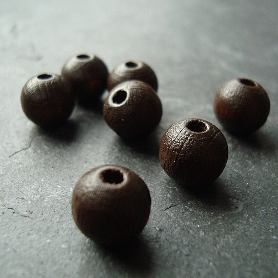 Wooden Beads 8mm Walnut Brown Smooth Rounds - 20 pieces