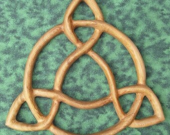 Open Triquetra- Artistic Variation of Traditional Celtic Triquetra Knot Wood Carving