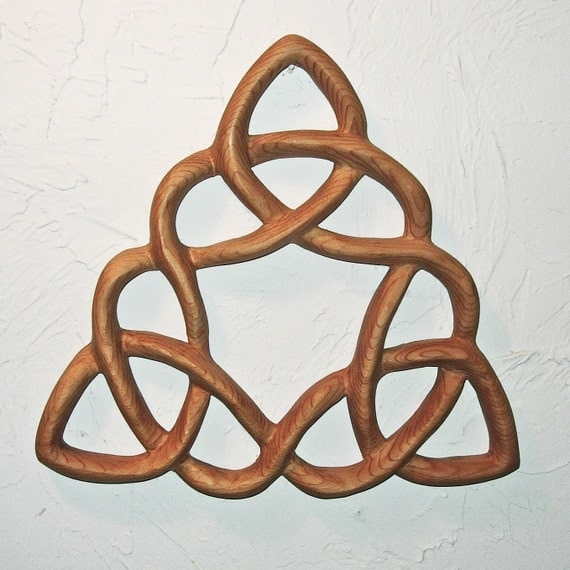 Celtic Triangle - Cloverleaf Triquetra - Wood Carved Celtic Knot