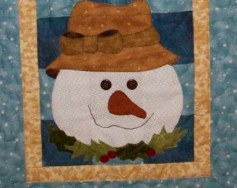 Sammi Snowman Table Runner Pattern