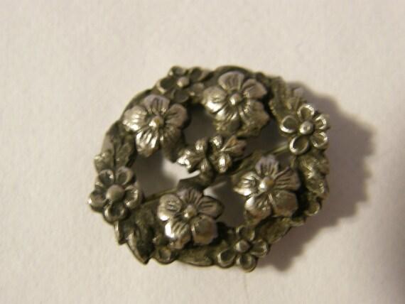 Vintage silver flower brooch for Spring