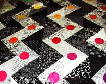 "King Size Quilt- Black and White Zigzag Pattern with a Rainbow of Hand Dyed ""Buttons"""