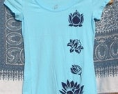 Lily Pond Scoop Neck Womens Tee