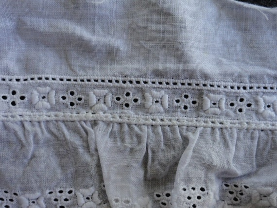Antique BRODERIE ANGLAISE Lace Embroidered Tiny Trim 2.1 yards