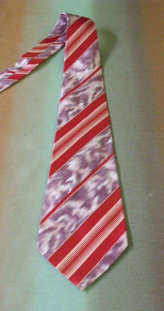 Tie / Neck Tie / 1940s/ Grey / Burgundy / Stripe / Diagonal Stripe / Towncraft Cravats