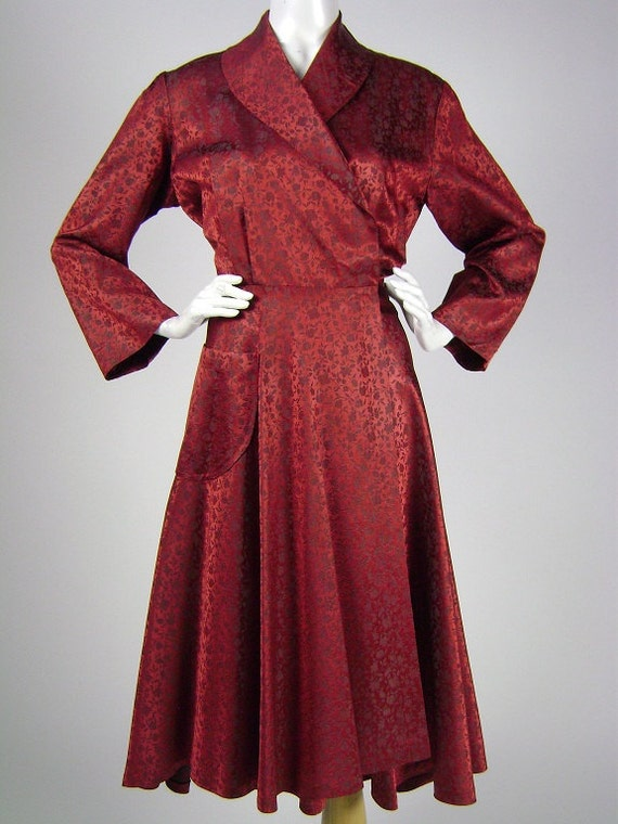 Dressing Gown, Womens,1950s Red and Black Floral Brocade, Dress Style