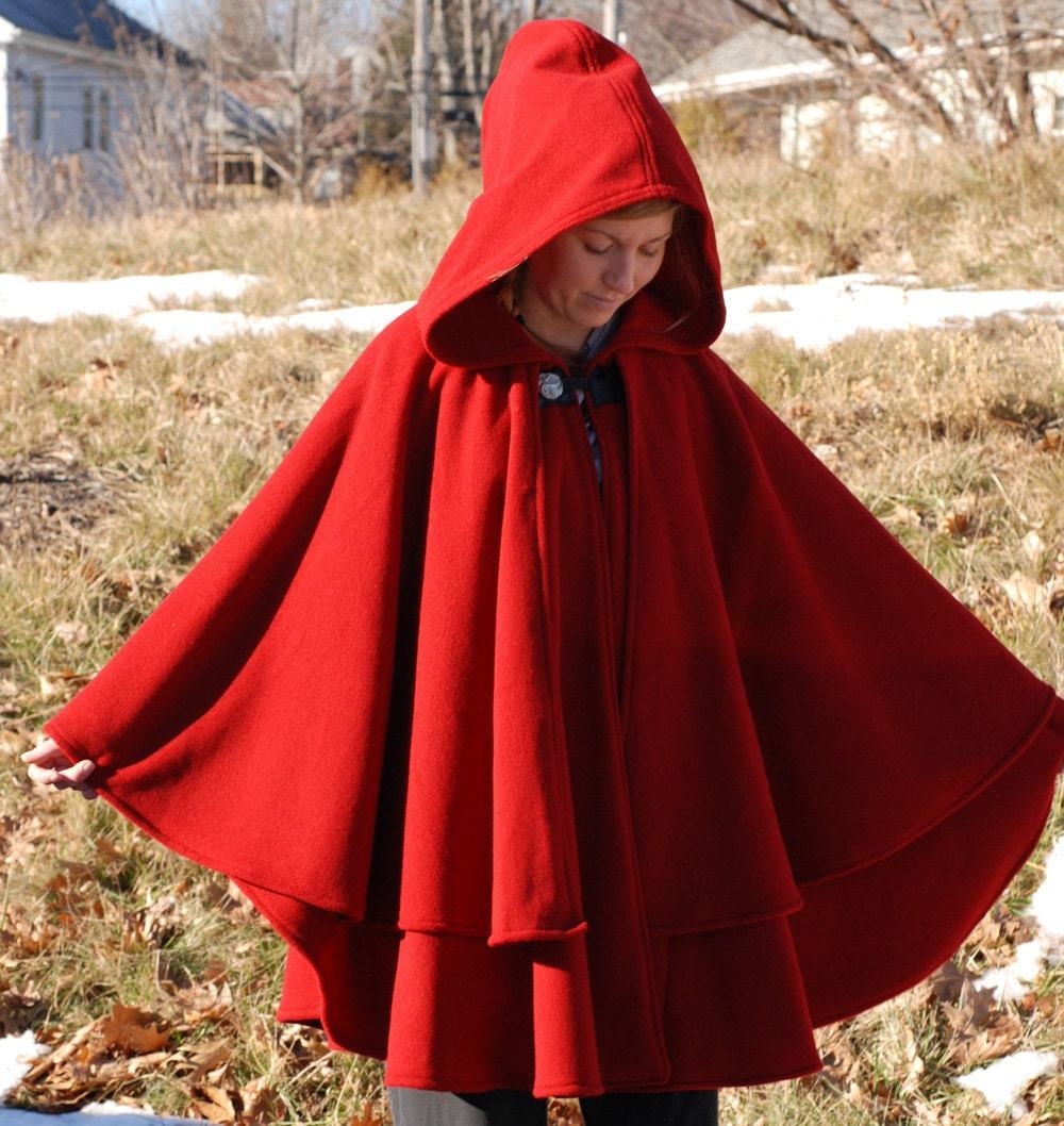 double cape wolle cape rotes cape cape mit kapuze. Black Bedroom Furniture Sets. Home Design Ideas