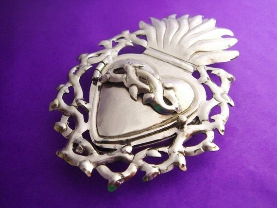 Mexican Sarcred Heart Icon Silver Locket Pendant with Thorns