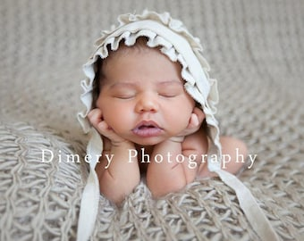 RTS GWEN- Ruffled. Linen. Newborn Fabric Bonnet. Vintage Style. Baby Girl. Photograhy Prop. Ready to ship. Tolola Design.