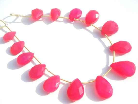 Fuschia Pink Chalcedony Faceted Pear Semiprecious Gemstone Beads (Quality A) / 12 Pieces / CODE 846