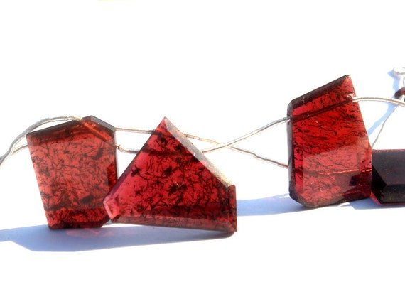 Moss Garnet Cut Slices Semiprecious Gemstone Beads (Quality AAA) / 5 Pieces / CODE 920