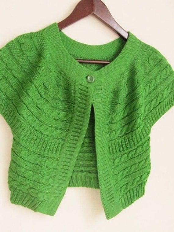 Green Bolero Short Sleeve Jacket..