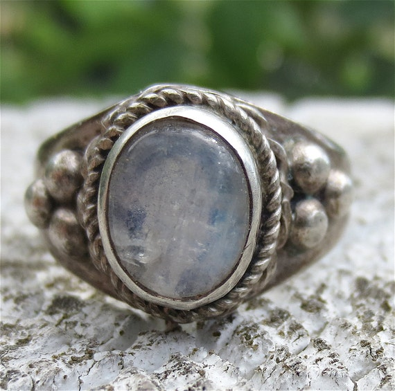 Vintage Sterling Silver and Moonstone Ring size 6