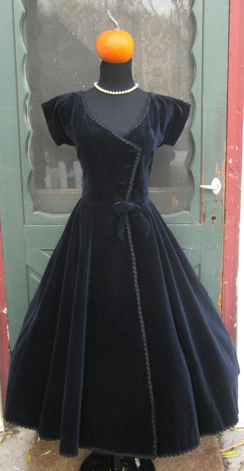Vintage 1950 S Midnight Blue Velvet Bomdshell Dress