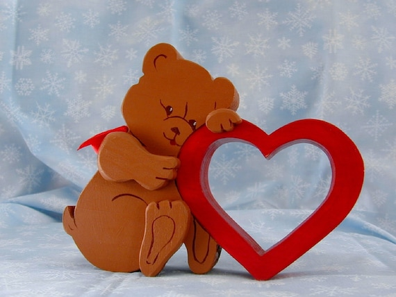 Wooden Bear Hugging A  Heart