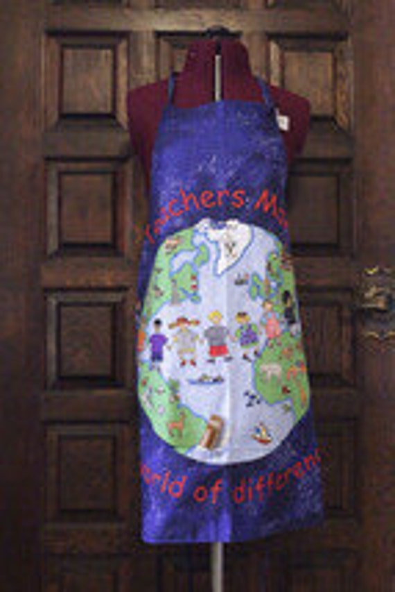 Teachers Make a World of Difference Apron with pockets