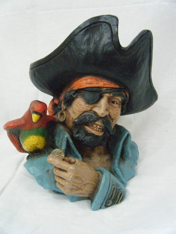 Awesome Universal Statuary Corp Pirate Statue 1974