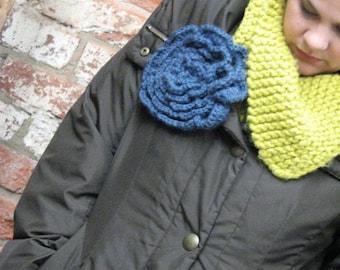 pdf TITAN BLOOM Flower pattern & tutorial...super-easy to crochet by Chicken Hill