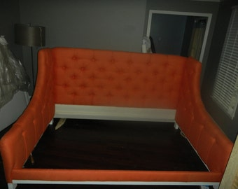 Fully upholstered Daybed