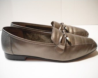 Vintage Enzo Angiolini Metallic Pewter Leather Flats 6M