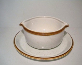 Vintage 70s Mikasa Natural Beauty Gravy Boat and Drip Plate/Saucer 2 Piece Set