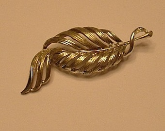 Vintage Leaf brooch in silver tone
