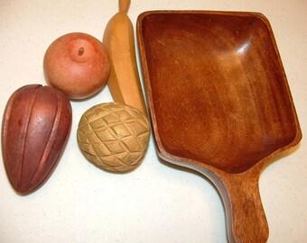 Vintage Carved  Wood Bowl and Fruit, table Centerpiece, Vintage Kitchen Decor, Wood Fruits, Hand Carved Wood