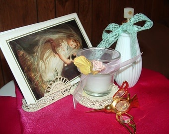 Wire Tray holds Collection of Greeting Cards, Candle,and perfume /Cologne Bottle ,Gold plated Crystal Hummingbird