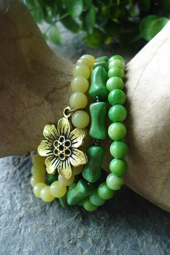 Stretch Bracelet Set, Bohemian Jewelry, Stacking Bracelets, Green, Yellow, Sunflower, Mother of pearl, Yellow Jade