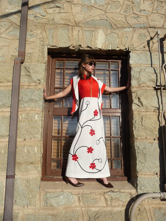 Vintage Maxi Dress Red Black and White Graphic Floral Scrolls with Matching Shawl 1960s