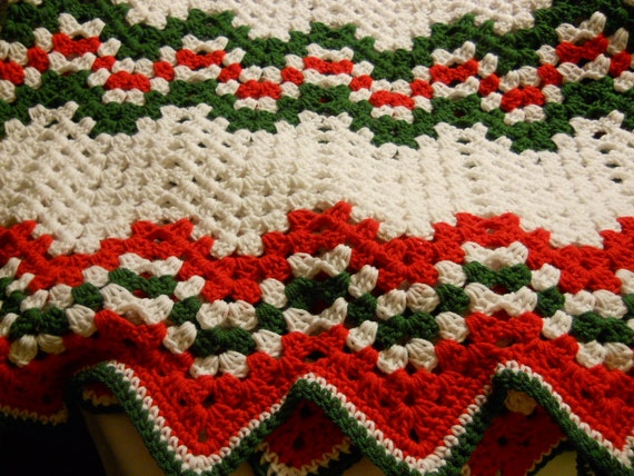 Crochet Christmas Afghan Ripple Pattern in Red Green and White Heavy