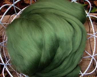 Garden Ivy Ashland Bay Merino 64s 2 OZ