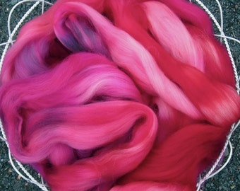 Fuchsia Superwash Hand Dyed Longwool Roving Spinners and Felters 2 Oz