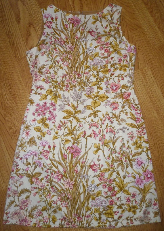 Ladies knee length, fitted 60's style, shift dress, size 14 in vintage 80s fabric.