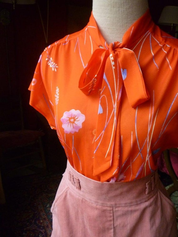 Tomato Red with Flowers 1970s short sleeved secretary blouse