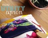 mini utility apron (little bird and navy flowers)