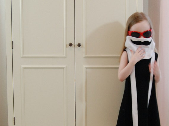 Celebritot Incognito Mustache Disguise Toddler Dress in Black and White jersey, childrens clothing  (2T, 3T, 4T, 5, 6, 7)