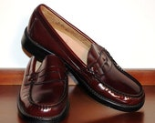WEEJUNS G.H. BASS CO. BURGUNDY LOAFERS