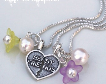 Best Friends Necklace with Freshwater Pearls and Flower