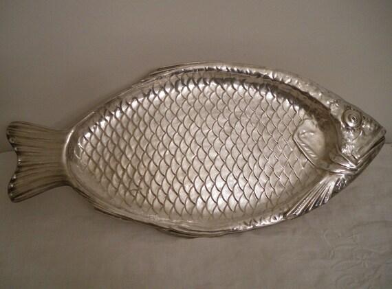 Vintage reed barton silverplate fish platter serving tray for Fish serving platter