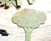 Green Scallopped Tree Embellishments - 12