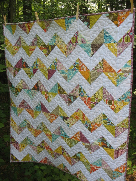 Zig Zag Baby Quilt in Central Park fabrics by ModernMaterialGirl