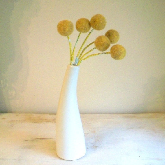 Mustard Craspedia Billy buttons - Modern flowers - Felted pompom flower - Felt flower Bouquet - Woolly heads - Billy Balls - Mustard pom pom