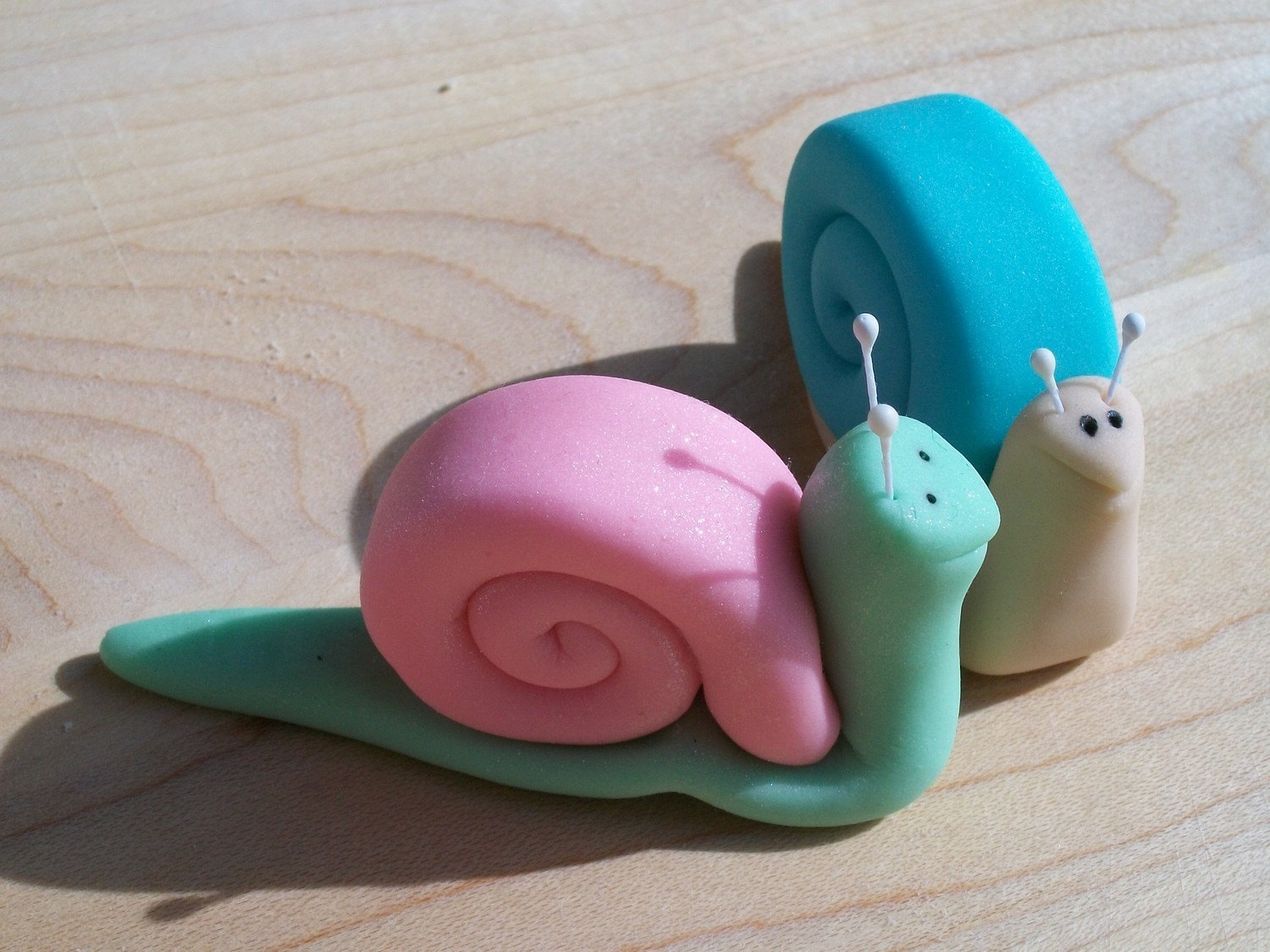 Fondant Cake Decorations Uk : Fondant Snail Cake and Cupcake Toppers Set of 12 by ...